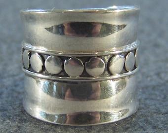Vintage Sterling Silver  Bold  Wide Cigar Circular Center Fancy Art Deco Design  Band Ring, Size 5