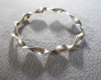 Vintage Sterling Silver Fancy Twisted Raised Dimensional Bangle Style Bracelet