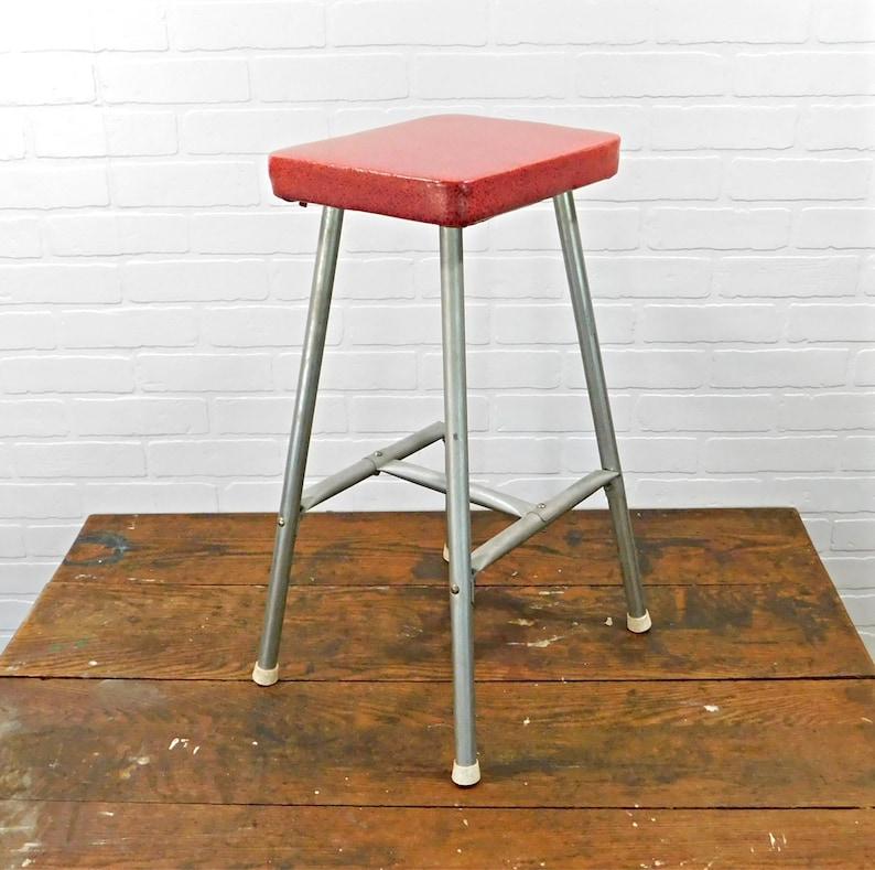 Pleasant Vintage Red Kitchen Quickie Stool Philadelphia Pa Inzonedesignstudio Interior Chair Design Inzonedesignstudiocom