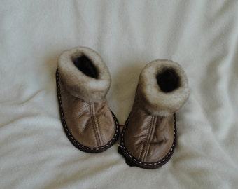 Sheepskin slippers (kids sizes)