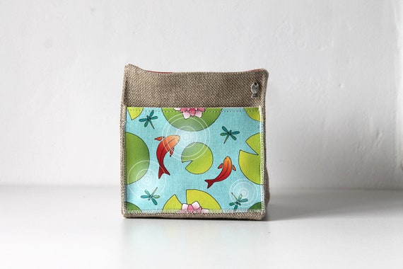"Small square basket in natural linen ""goldfish and water lilies"""