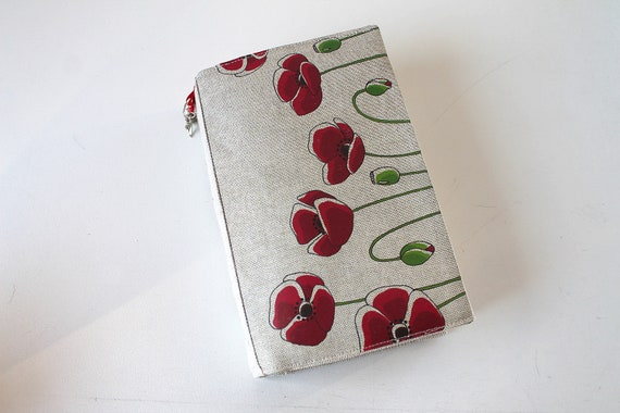 "Adjustable Pocketbook in natural linen featuring ""I want poppies"""