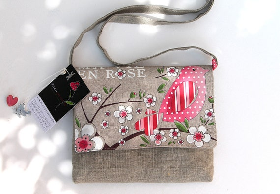 "Crossbody bag in natural linen illustrated ""My life in pink"""