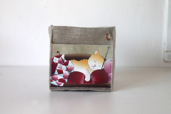 Small square basket in illustrated linen cat and balls of wool