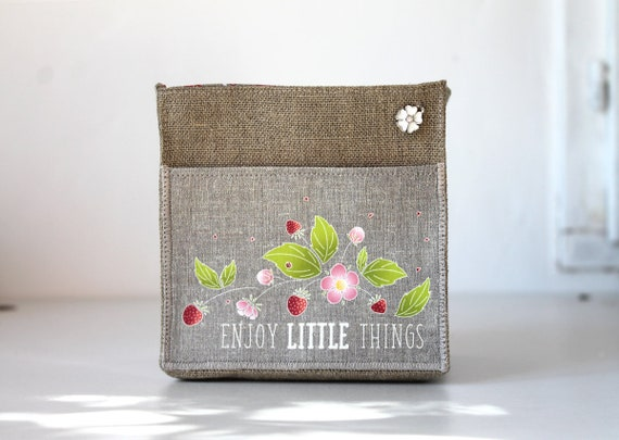 "Small basket square linen illustrated ""enjoy little things"""