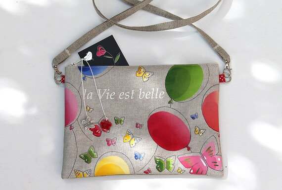 "Natural linen zipped shoulder bag illustrated "" la vie est belle """