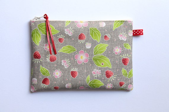 "Multifunction ""Sweet Gariguette"" natural linen pouch"