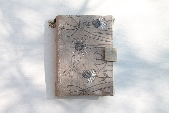 "Bag Organizer / multipoches illustrated natural linen ""Barefoot in wild herbs"""