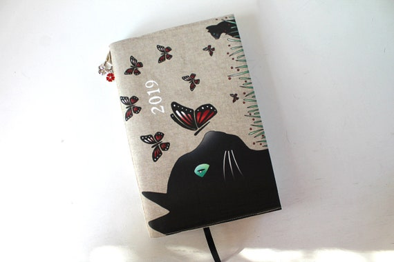 "Agenda 2019 dressy linen and illustrated ""cat and butterflies"""