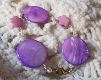 Lavender Dyed Shell Bracelet (I 603)