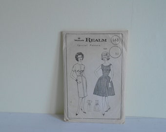 Vintage Women's Realm L63 Dress Pattern, 1950 Dress Pattern, Size 32 Inches - Unused