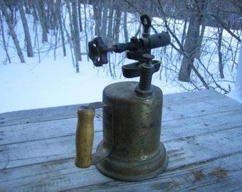 Antique Butler blow torch (1940 - 1949)