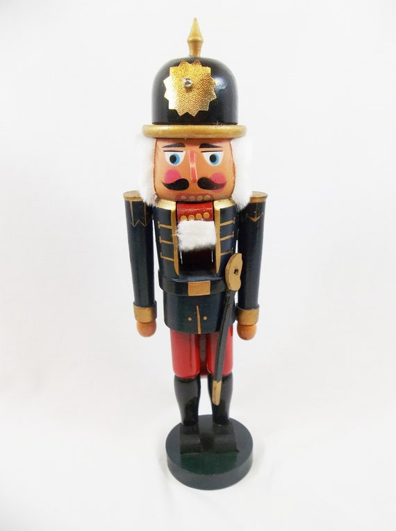 Nutcracker Traditional German 14