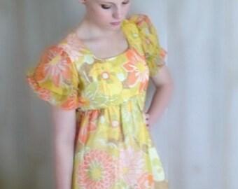 Vintage Maxi Dress / 1970s Floral Dress / Short Sleeve Dress / Small Medium / Empire Waist