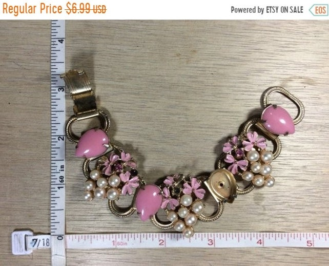 "13%OFF 3Day Sale Vintage 7"" Gold Toned Bracelet Pink Enamel And Faux Stones And Pearls Missing Stones Used"