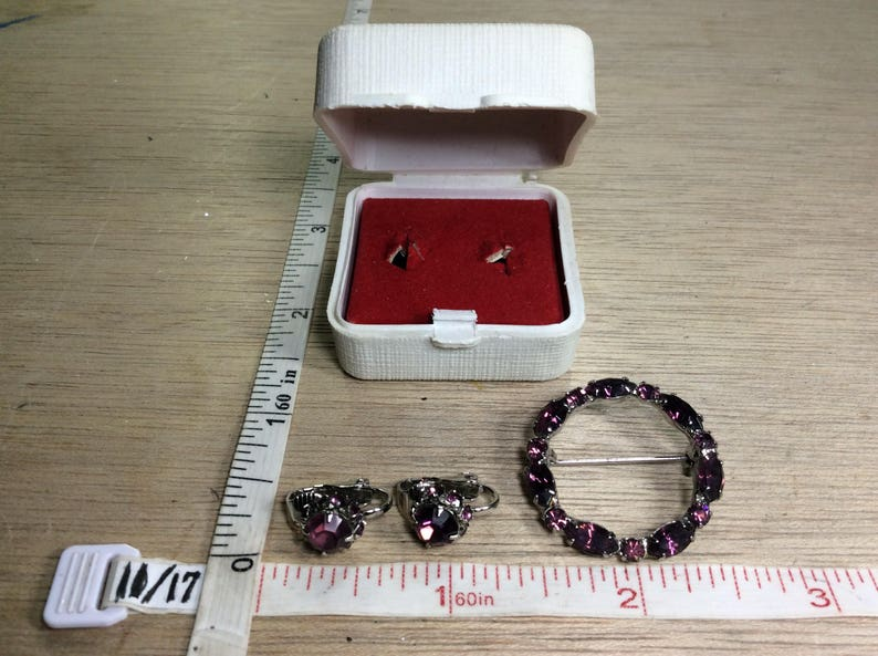 Vintage Silver Toned Pin Brooch Clip On Earring Set Purple Rhinestones In Gift Box Used