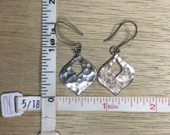 Vintage 925 Sterling Silver 3.3g Earrings Hammered Design Used