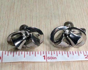 Vintage Alice Wedding Bell Screwback Earrings  Used