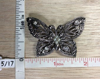 Vintage Avon Silver Toned Faux Fake Pearls Butterfly Pin Brooch Used