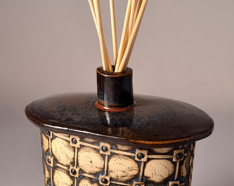 Handmade Reed Oil Diffuser or Small Bud Vase or Flask with a Small Round Neck and Textured Window Pane design