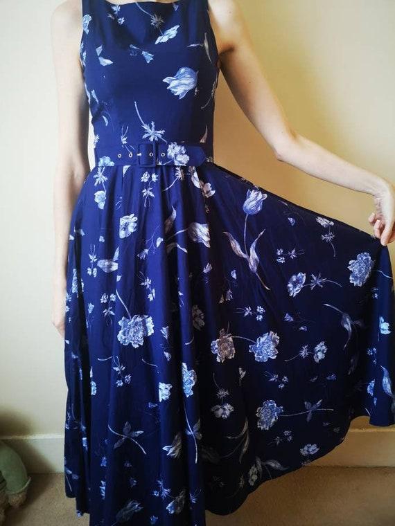 Beautiful vintage Laura Ashley size 12 floral dres
