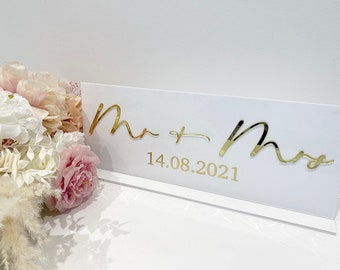 3D Top Table Sign- Mr & Mrs Sign- Wedding Top Table Sign/ Wedding sign- Perspex Wedding Sign- White
