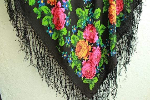 shawl ... vintage shawl ... scarf ... retro headsc
