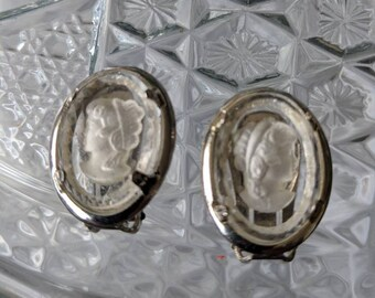 Warner Cameo Reverse Carved Lucite Clip On Earrings