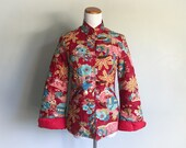 Vintage Quilted Asian Jacket Robe Red Floral Cotton Boho Bohemian Chic Embroidered Smoking Jacket Toggle Button Tropical Hawaiian Size Small