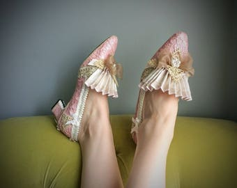 6c6204ac36a13 Rococo heels | Etsy
