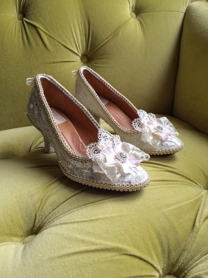 2981f1c63dd07 Marie Antoinette Rococo Baroque Heels Shoes Costume Floral Champagne Ivory  Cream Off White Antique Style Lace Appliqué Pearls CUSTOM Bridal