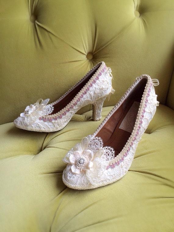 Marie Antoinette Schuhe Heels Rokoko Barock Kostüm Floral Champagner Elfenbein Creme aus weißen antiken Stil Spitze Applikation Perlen