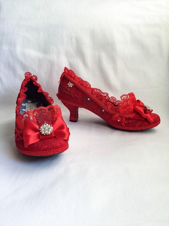 Alice im Wunderland inspiriert Kostüm Schuhe Highheels Partei Pumps Baby blau schwarz Bögen und Schnee weiß Spitze Rüschen Größe 6,5 7,5 8,5 9,5 10