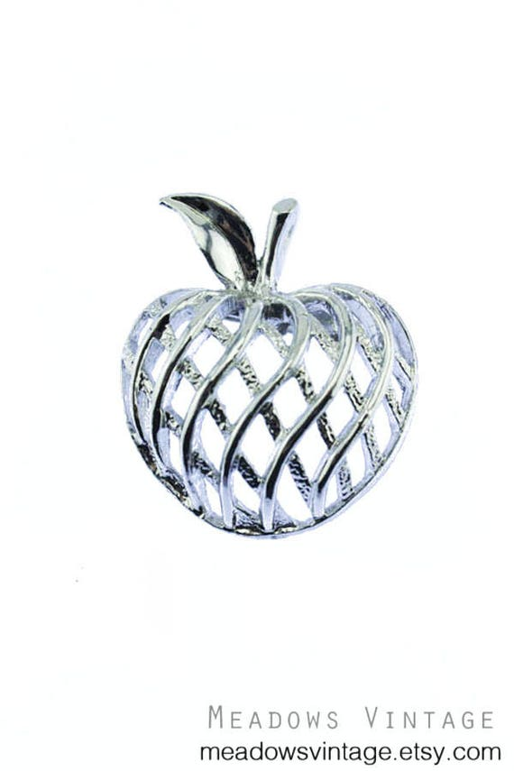 Gerry's Silver Apple Brooch, Gerry's Silver Apple