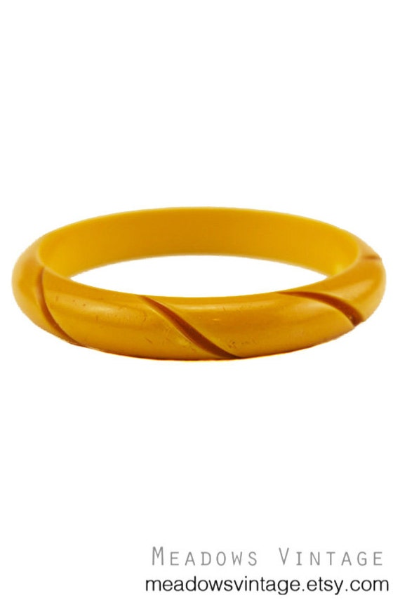 Deep Carved Bakelite Bangle Bracelet, Chunky Butte