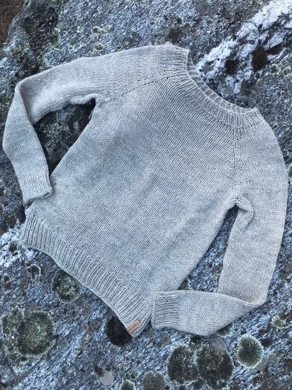 71241800eb3ce Simple Handknit Sweater Size Small-Medium