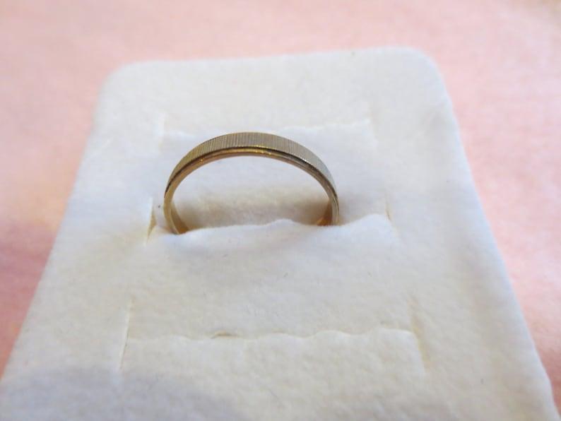 Vintage 1984 Gold Wedding Band or Layering ring in 10k Yellow Gold with nickel trim Simple Gold Ladies Ring Ladies Size 6 Elegant