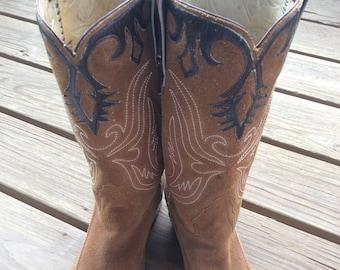 5de481a7dde Fancy stitched boots | Etsy