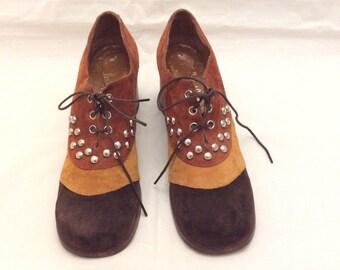 27a87eda540f4 Rare Vintage mod 60s studded color block chunky big heel shoes size 8  narrow multi color
