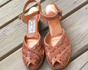 28421934553970 Rare Tooled leather vintage wedge sandals Flores Shoes Mexico size 6 to 6.5