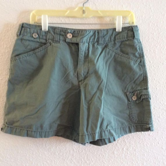 Vintage Gloria Vanderbilt Army green cotton shorts
