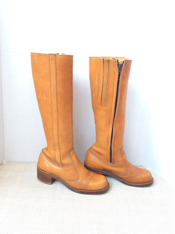 Vintage Go go boots size 7 eather platform 60s mod