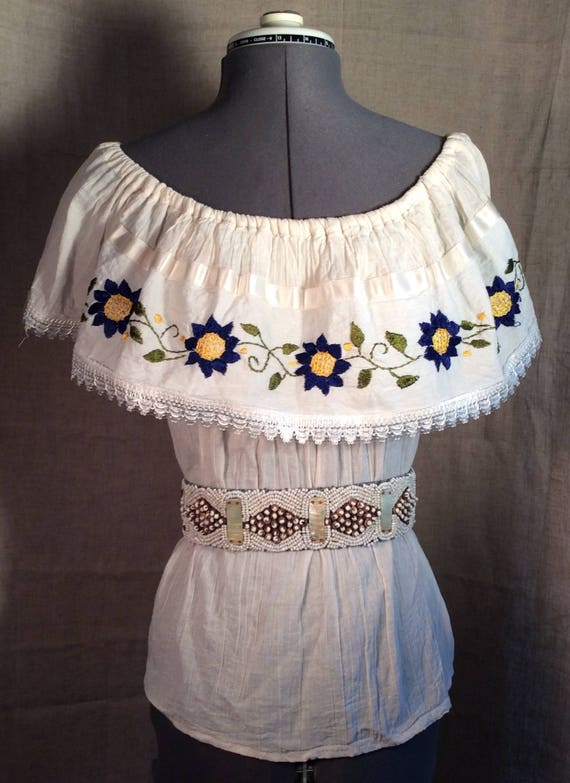 Vintage boho ethnic embroidered flowers peasant co