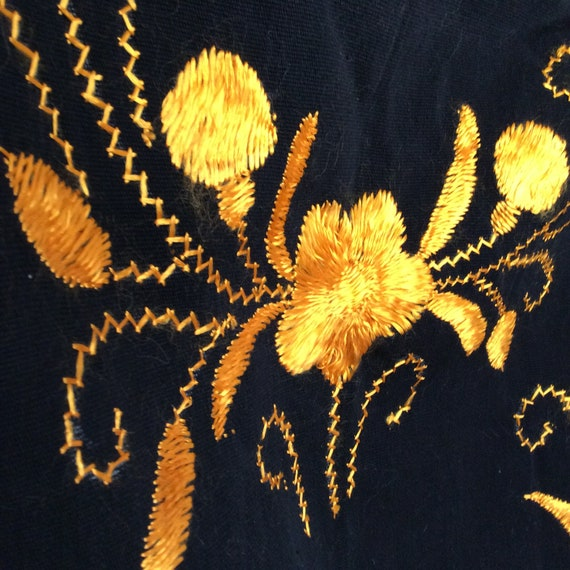 1950s Mexican embroidered shawl wrap vintage Mid … - image 1