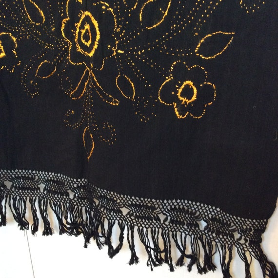 1950s Mexican embroidered shawl wrap vintage Mid … - image 6
