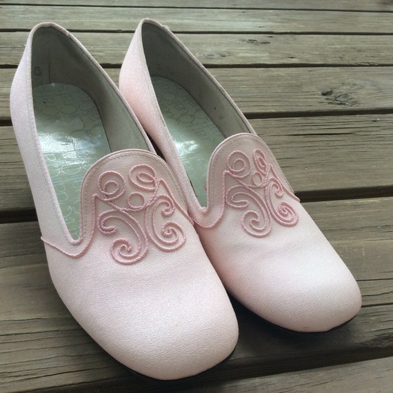 Pale rose pink mod 70s shoes pumps heels retro vin