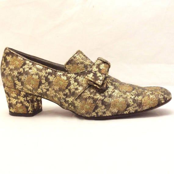 Bonwit Teller mod tapestry block chunky heel metal