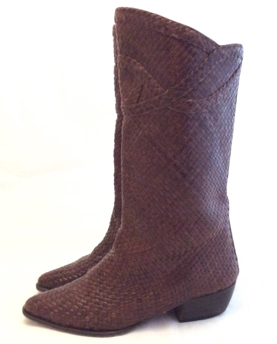 Vintage woven leather low heel boho boots size 8 I