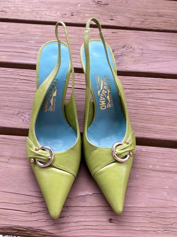 Vintage lime green pumps shoes designer