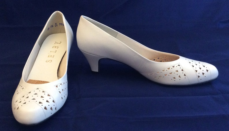 e67d8a776cf New old stock vintage white leather cut shoes pumps heels
